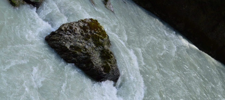 Ein Herz in Wasser